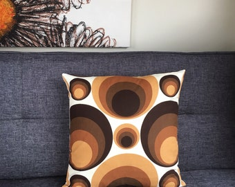 Vintage retro cushion cover, brown cream beige, rings circles spectrum geometric op art, mid mod mid century 60s 70s, statement throw pillow