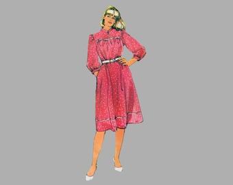 1983 Women's Dress pattern Simplicity 5902 Loose-Fitting MuuMuu Yoke dress Comfortable Sleeve / Neckline variations Bust 44 - 50 Complete