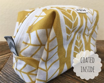 19x10cm_makeup bag_leaves yellow_ graphic