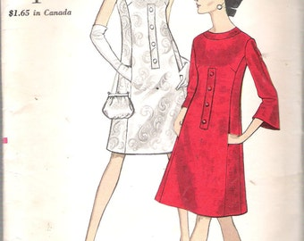 """Vintage 1967 Vogue 7136 One Piece Dress with Front Seam Pockets Sewing Pattern Size 10 Bust 31"""" UNCUT"""