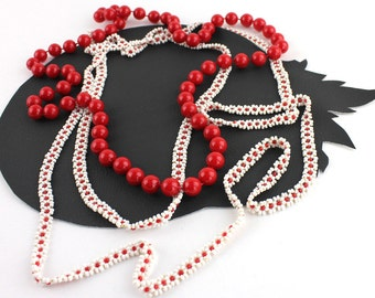 Red & White Plastic Beaded Vintage Necklace Set