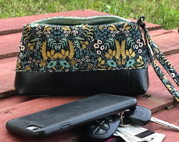 The Vintage Style Clutch Wristlet ~ Riffle Paper Company Green Gold with Black Vinyl