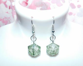 Green hexangol bead dangle earrings/green bead earrings/bead earrings/hexaganol bead earrings/handmade/handmade earrings/gift/jewellery