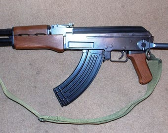"new 36"" Airsoft AK 47 Kalashnikov weapon,Swing metal stock,36"" open,25""closed, carrier strap,1:1 scale, 5 lb, magazine, looks real, glo tip."