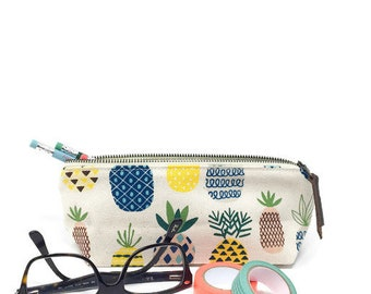 Pineapple Pencil Case Makeup bag Gifts for mom Make up bag Mothers Day gift Gift for her Bridesmaid gift Birthday gift Coworker gifts