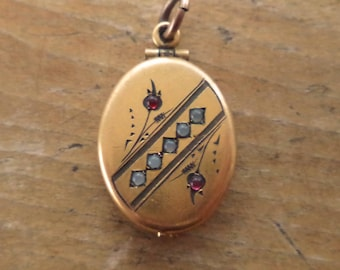 Antique Victorian Gold GF Locket Pendant Opens From The Bottom