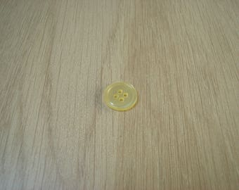 Yellow mother of Pearl flat button with RIM