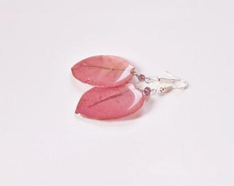 Resin earrings Pink flower dangle earrings, Elegant jewelry Feminine gift for wife, Birthday gift for friend,  Flower gift for woman in pink
