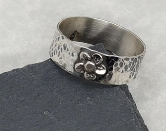 Wide Hammered ring with Flower detail, Solid Sterling Silver, Flower Jewellery, Rustic Silver, Gift For Her, Mother's Day, Rustic Jewllery