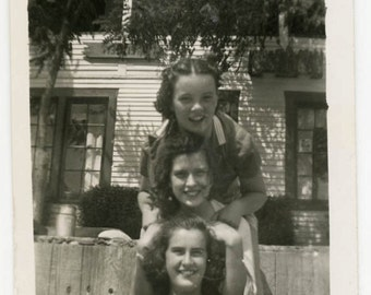vintage photo 1940 Young Pretty Sisters Friends On a Fence