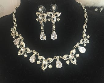 Diamante dropped and leaf jewellery set