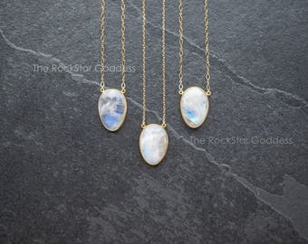 Gold Moonstone Necklace / Rainbow Moonstone Necklace / Gold Moonstone Jewelry / Gold Moonstone Pendant / Mother's Day Gift / Gift for Mom