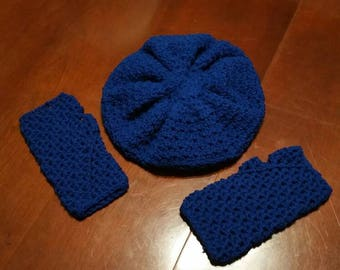 Hat and fingerless gloves set.
