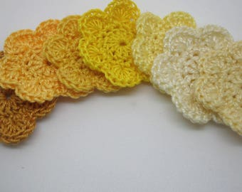 Crocheted yellow 3.5 cm X 7 flowers