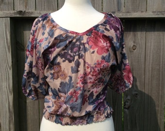 Vintage FLORAL top V-Neck Women's Size Small / Medium Cropped
