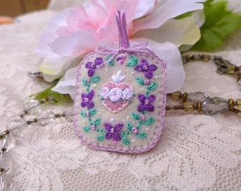 Hand-Embroidered Badge - Immaculate Heart + Violets