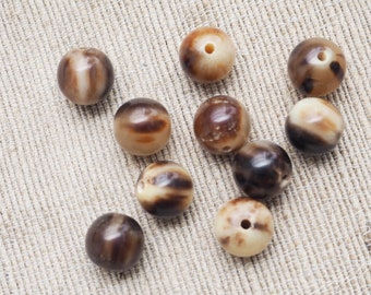 Lot of 10 Buffalo Horn Beads 1.1 cm