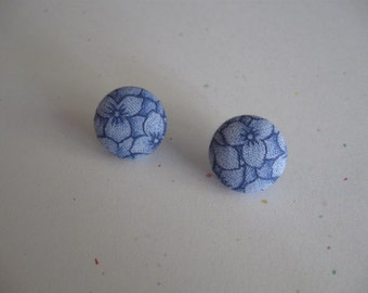 "6/8"" Round Blue Floral Fabric Covered Earrings"