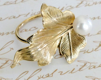 Mother Gift, Bridal Ring, Wedding Ring, Bridesmaids Gift, Gold Leaf Ring, Gold Pearl Ring, Pearl Leaf Ring, Vintage Style Pearl Ring
