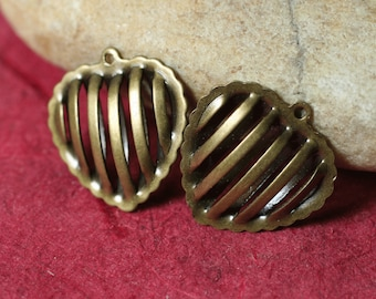 Antique brass hollow heart 14x14mm, select your quantity (item ID ABHC14x14)
