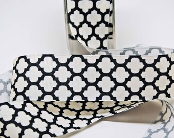 Lattice Print Ribbon Linen -- 1.5 inches -- Black Ivory -- 2 yards Quatrefoil