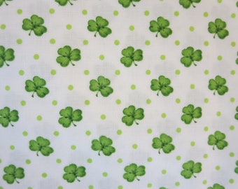 Henry Glass -   Lucky Me! by Shelly Comiskey of Simply Shelly Designs - 6852-6  Shamrocks-White