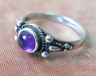 Amethyst Ring, Silver Amethyst Ring, Amethyst Silver Ring, Sterling Silver Ring, Amethyst Jewelry, Small Amethyst Ring, Purple Amethyst