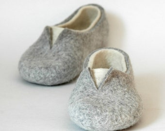 Felted slippers for women - Grey white home shoes - Natural woolen clogs - Boiled wool slippers - Bedroom slippers - Bride slipper - Valenki