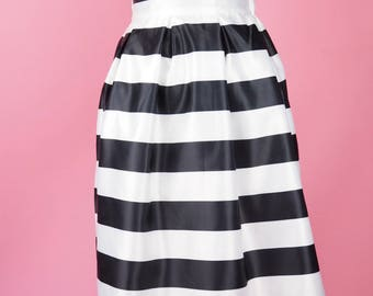 Horizontal Stripes Swing Skirt