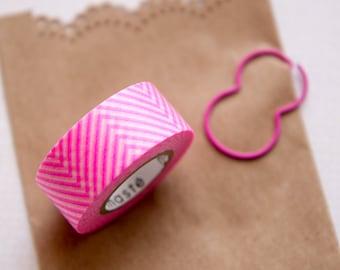 Masking tape/washi tape chevrons/zigzags rose Masté MT 15mm x 7m, création et emballage cadeaux