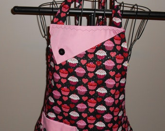 Hearts and Cupcakes - Women's Apron - Ruffle - Pocket - Baking - Pink