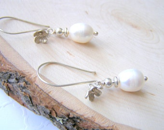White Pearl Flower Earrings, Freshwater Pearls and Sterling Silver, Dainty Wedding Earrings, Bridal Fashion Jewelry, Destination Wedding