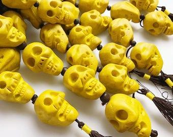 Beautiful Yellow Resin Skull Beads 15.5'' Long Per Strand.I-TUR-0099
