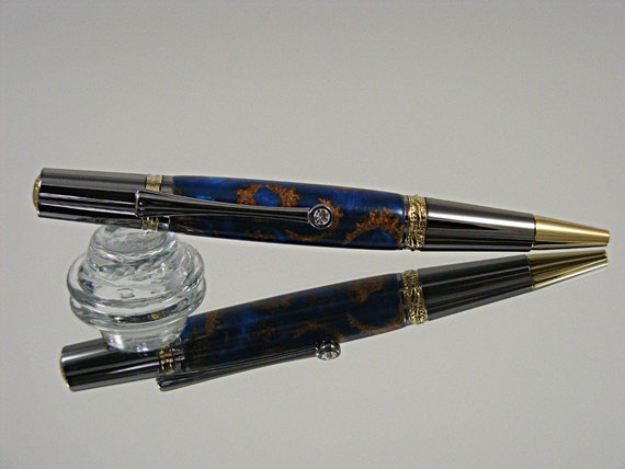 Handcrafted Majestic Ink Pen in Gold and Black TN with Acorn Acrylic