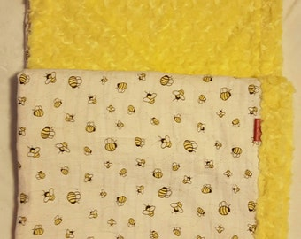 Minky baby blanket with muslin swaddle fabric top