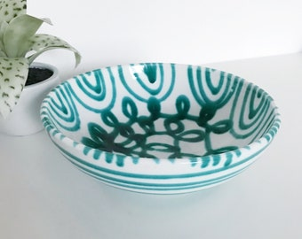 Gmundner Keramik Dizzy Green Drip Bowl, Serving Bowl, Green and White Ceramic Bowl, Swirls and Stripes, Made in Austria