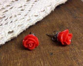 Flower earrings, rose earrings, tiny red rose earrings, red pinup style earrings, vintage rose