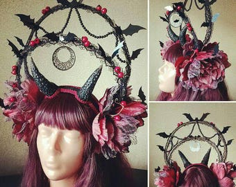 Bat headdress, red flowers crown, Bathory headdress, vampire queen, festival look, gothic headdress, headpiece, photo prop, eyecather
