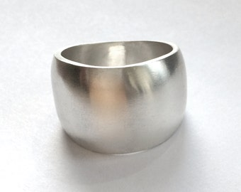 Silver Band Ring Wide Domed Size 8 1/2