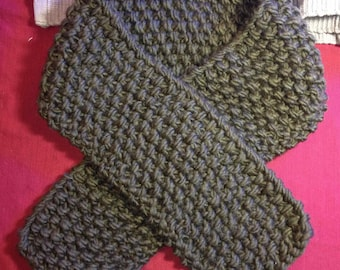 Olive green 100% wool chunky cozy scarf