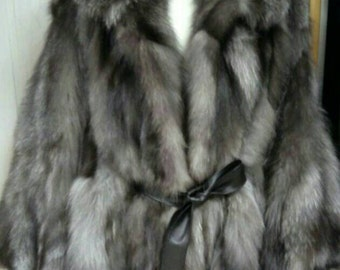NEW!!!Natural,Real,ONE Size-Hooded Silver Fox Fur cape!