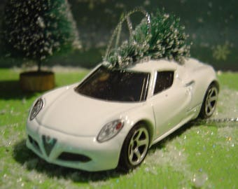 Alfa Romeo 4C white metal car with Christmas tree ornament