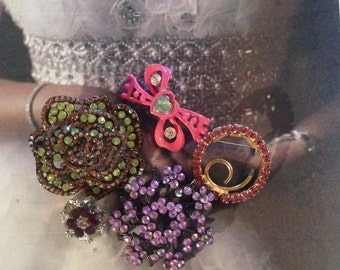 SALE Rhinestone Brooches Vintage Bridal Bouquet Craft lot 218