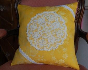 Center 40/40 crochet Cushion cover