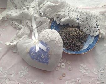 Shabby chic vintage style lavender heart/vintage linen heart/lavender heart/lavender sachet