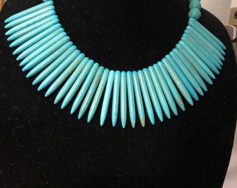 Tribal accent turquoise look spike necklace