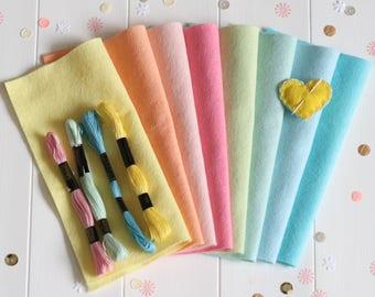 Felt Craft Pack with Thread, Felt Stashbooster Pack, Wool Blend Felt Pack, Pack of Felt Squares 23cm, Felt Craft Kit, Pastel Felt Rainbow