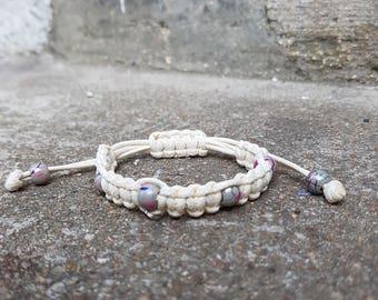 bracelet shamballa écru avec perles