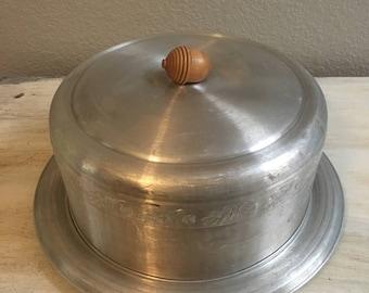 vintage aluminum cake carrier with acorn top  1950's. Light weight aluminum, farmhouse decor.