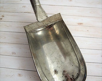 Antique Tin Feed Grain Seed Scoop With Handle Farmhouse Primitive Kitchen General Store Decor Vintage Country Cottage